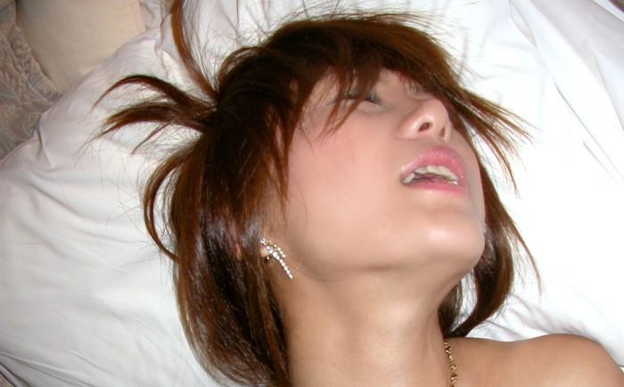 Hな動画見てるとAV女優がすっごい声で喘いでるけどさ、あれって、ホントに感じてるのかな?